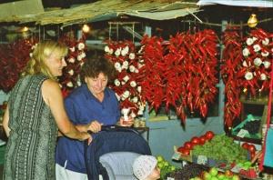 Ruoka- vai apteekkiostoksilla? Chilit ovat tehokkaita sekä mausteina että lääkityksessä.
