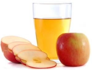 Omenat ovat terveellisempiä kokonaisina kuin mehuna nautittuina.