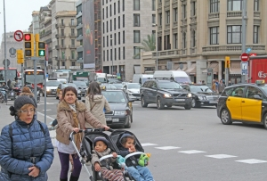 Kaupunkiliikenteen saasteet ovat vakava uhka letenkin lasten terveydelle, osoittaa muun muasa Barcelonassa tehty kansainvälinen tutkimus.