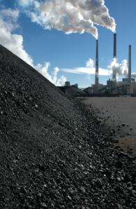 Kivihiilen käyttö on vähentynyt Yhdysvaltain voimalaitoksissa maakaasun hinnan alennuttua ja kaasun saatavuuden parannuttua.