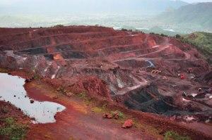 Kaivostoiminta on hallitsee suuria alueiat Intiassa, mutta yritysten on noudatettava lakeja – toisin kuin eräissä muisa maissa.