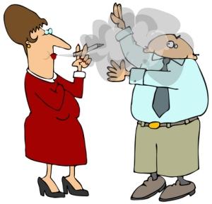 Tupakan sivusavulle altistuminen on paitsi epämiellyttävää myös vaarallista.