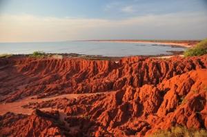 Kaivostoiminta muuttaa ja jopa tuhoaa luontoarvoja peruuttamattomasti. James Price Point, Western Australia.