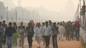 Yli 1.2 miljardin asukkaan Intian suurin ympäristöongelma on ilman saastuminen etenkin suurissa kaupungeissa. Ympäristötuhojen vaikutukset ovat katastrofaalisia sekä ihmisten terveyteen että talouteen.