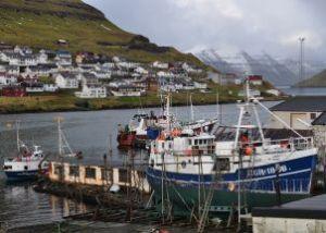 Kalastus on Färsaarille ja -saarelaisille elinehto, joten EU:n langettama kauppasaarto on vakava takaisku 50 000 asukkaan yhteisölle.