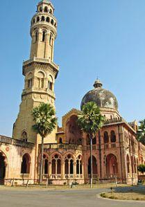 Allahabadin yliopisto on yksi Intian vanhimmista valtion yliopistoista ja osa uutta perinneyliopistojen joukkoa.