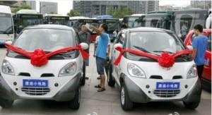Kiinan sähköautotuotanto on noussut ainakin määrällisesti maailman huipulle, joten saastuttamattomia ajoneuvoja riittää tyydyttämään Pekingin kunnianhimoista tavoitetta.