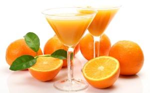 Appelsiini on varmasti terveellistä kaikissa olomuodoissaan, mutta prosessoidut mehutkin taitavat olla mainettaan parempia.