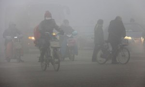 Pekingin ilma on monta kertaa vuodessa läpitunkemattoman smog-savusumun vallassa, joten ilmansuojelun tehostaminen on todella tarpeen.