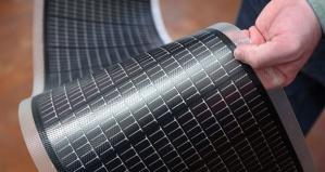 Taipuisalla, kadmium-telluuri-paneelilla pystytään valjastamaan jo yli 20 prosenttia auringon säteilyenergiasta. Kuva: 24solarhome.com.