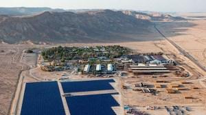 Israelilla on jo paljon hyviä kokemuksia uusiutuvan energian hyödyntämisestä, kuvassa aurinkovoimala Eilatissa. Kuva jewishbusinessnews.com.