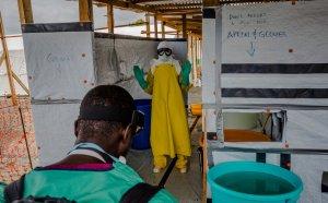 Sairaaloiden vesipula on pahimmillaan Liberiassa, jonka terveydenhuolto on todella kovilla muutenkin ebolan takia. Kuva: Daniel Berehulakfor the New York Times.