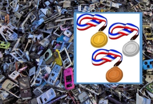 Japanilaisten hylkäämistä matkapuhelimista saadaan riittäävästi kulta, hopeaa ja pronssin vaatimaa kuparia kaikkiin vuoden 2020 kesäolympialaisten mitaleihin. Taustakuva: Tyrone Siu, Reuters.