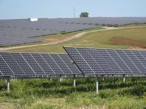 Portugali on jo nykyisellään merkittävä aurinkoenergian hyödyntäjä, mutta lähivuosina valmistuvat uudet laitokset lisäävät kapasiteettia reilulla tuhannella megawatilla. Kuva: en.wikipedia.org.