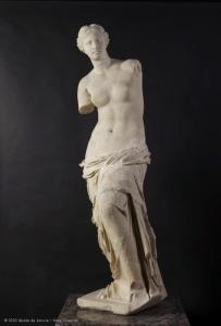 Milon Venus, Afrodite on tätä nykyä Pariisin Louvren taidemuseon suurimpia vetonauloja. Kuva: Anne Chauvet, Musée du Louvre.