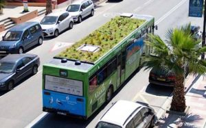 Kaupunkibussin katolle istutettavan puutarhan toimivuus on jo testattu Madridissa. Kuva: Phytokinetic.
