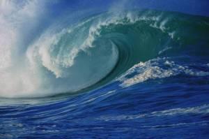 Valtamerissä aaltojen korkeudet nousevat jopa yli 30-metrisiksi, mutta suurimmista aalloista ei ole varmennettuja mittaustuloksia. Kuva: Bureau of Ocean Energy management, boem.gov.