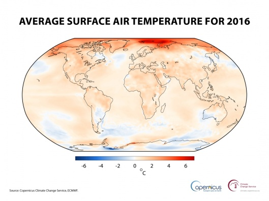 Maapallon ilmakehän keskilämpötila vuonna 2016 (pintalämpötila, mitattuna vakio-oloissa 2 metrin korkeudelta). Vuoden 2016 ero verrattuna pitkäaikaiseen (1981‒2010) keskiarvoon.  Kuva: Copernicus Climate Change Service.