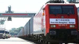 Uuden silkkitien avannut rahtijuna lähdössä lähes kolmiviikkoiselle matkalleen. Kuva: AFP, Getty Images, via TimeOutLondon.