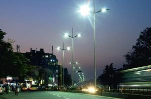 LED-katuvaloilla saavutetaan entistä parempi valaistus, ja samalla vähennetään energiankulutusta ja parannetaan ilmanlaatua. Kuva: news24online.com.