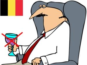 Belgialaiset kansanedustajat joutuvat jatkossa maksamaan työpaikalla juomastaan alkoholista. Kuva: iclipart.com.